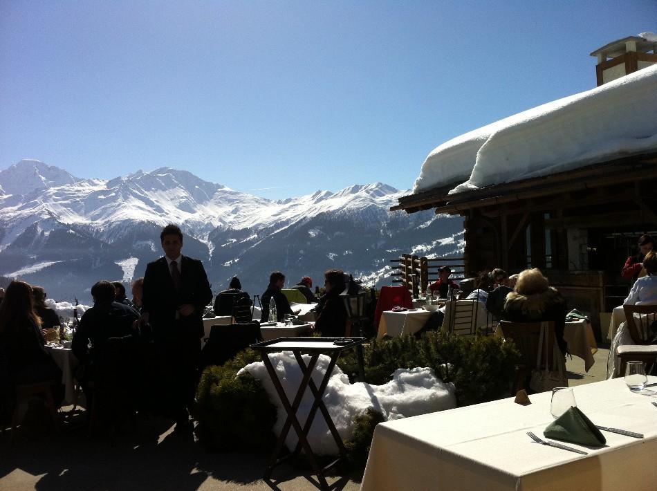Dejeuner Terrasse chalet d'Adrien Verbier